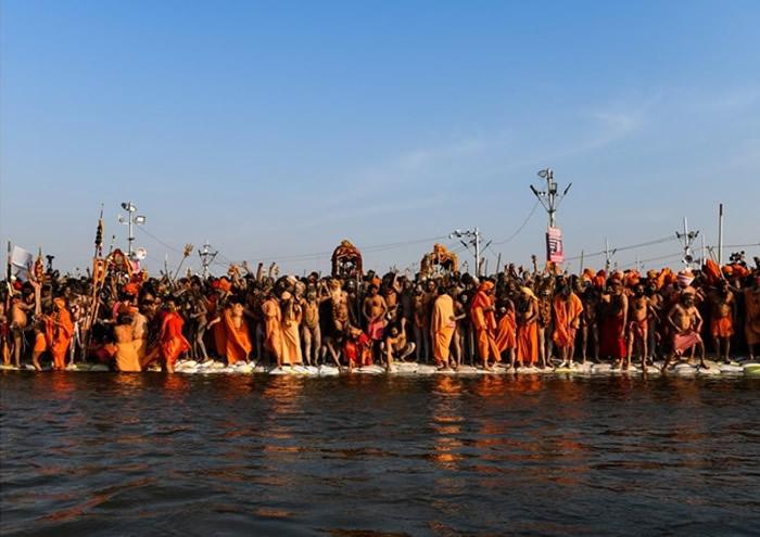 大批信众等待参与全球规模最大的宗教庆典。