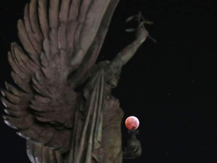 """""""超级血狼月""""21日登场 世界上必定发生大事?"""