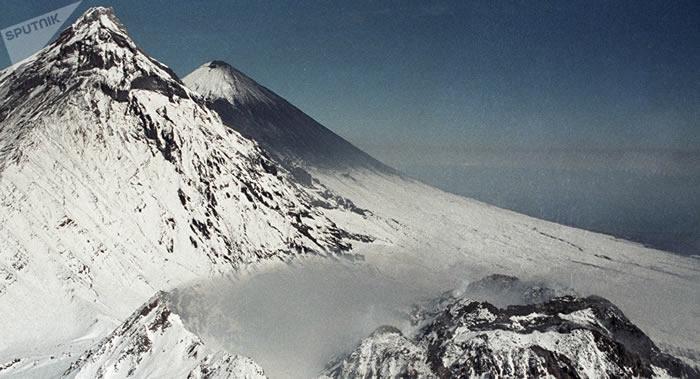 沉寂一年多的别济米扬内火山在勘察加开始爆炸性喷发