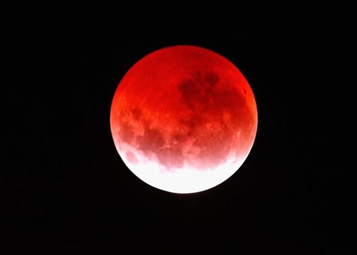 欧美非洲市民即将可观赏超级血狼月。