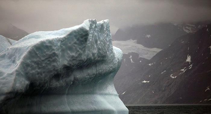 从2003年起格陵兰岛冰川融化的速度增加了4倍