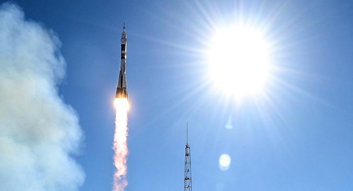 """搭载英国OneWeb公司首批6颗通信卫星的""""联盟""""号运载火箭将于2月27日发射升空"""