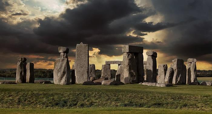 将包括著名的英国巨石阵在内的巨石建筑结构推广出去的是曾经的水手们