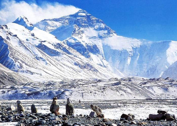 珠峰绒布寺以上核心区域禁止旅游。