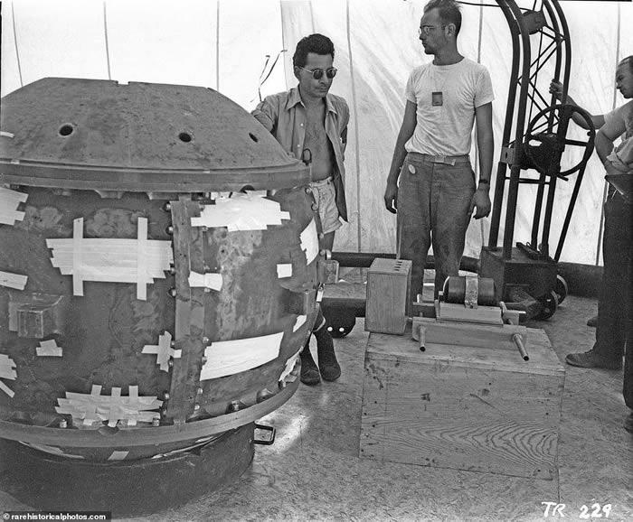 """网上出现1945年7月16日人类历史上首颗原子弹爆炸修复版视频 代号""""三位一体"""""""