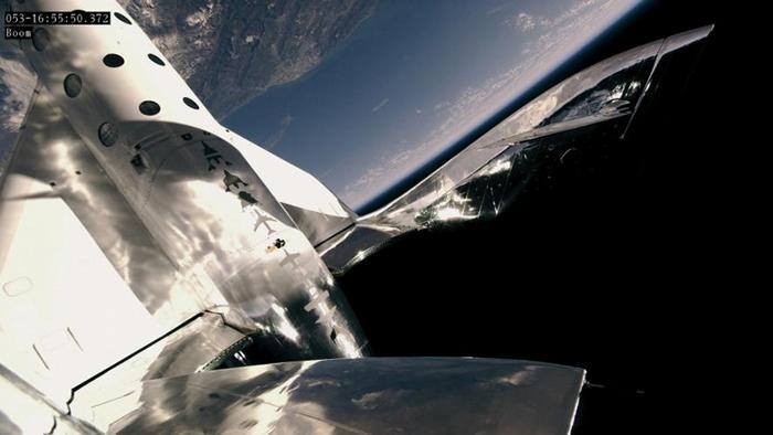 维珍银河公司的太空飞机「宇宙飞船2号」(SpaceShipTwo)于今年2月22日,飞抵高度89公里的太空边际。 PHOTOGRAPH BY VIRGIN GA