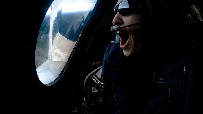 根据美国空军对太空边界的定义,本次试飞的三名人员已经抵达太空。 PHOTOGRAPH BY VIRGIN GALACTIC