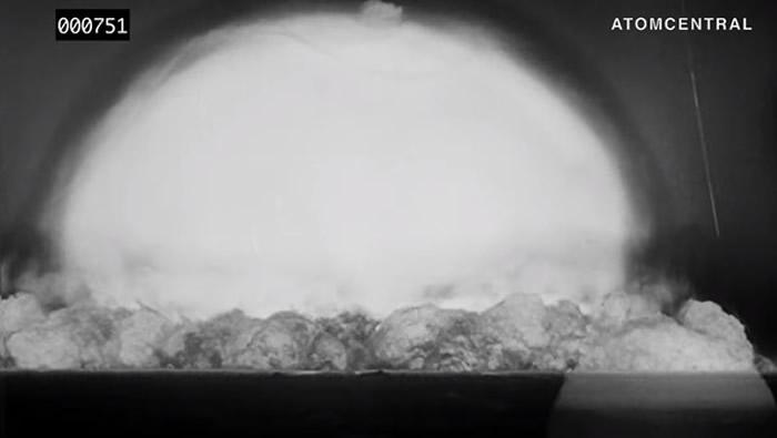 """美国曼哈顿计划:1945年7月16日人类首次""""三位一体""""核试验数位修复高清影片曝光"""