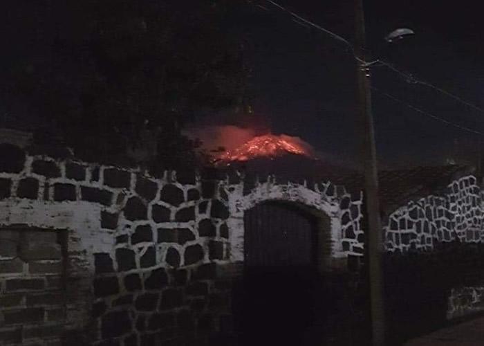 火山不断喷发。