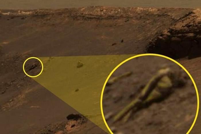 """外星人搜索者发现外星古文明遗迹?火星上惊见清晰""""人形雕像"""""""