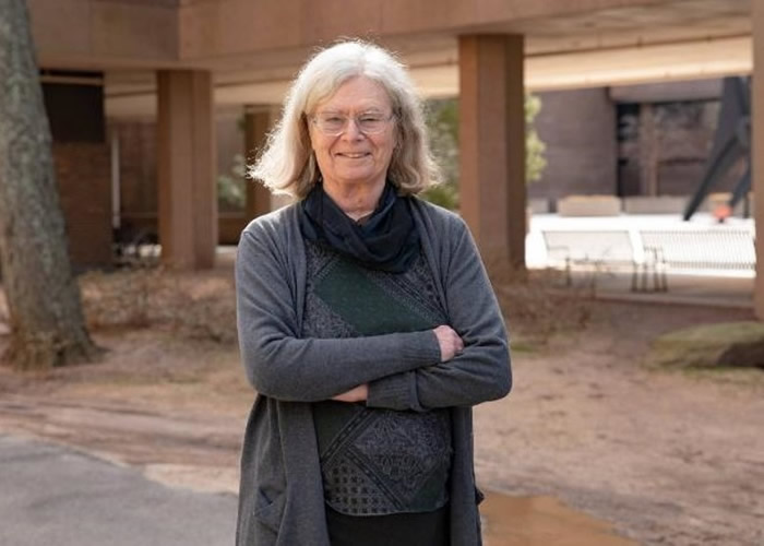 美国数学家乌伦贝克(Karen Uhlenbeck)夺阿贝尔奖 成史上首位女性获殊荣