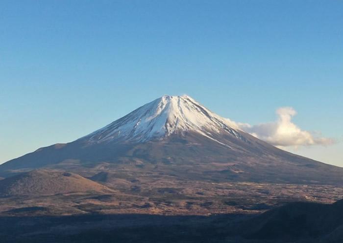日本专家:富士山如连续喷发15日 或会瘫痪东京首都圈交通