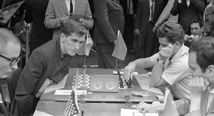 前苏联情报人员解释1972年世界象棋锦标赛斯帕斯基败给美国人菲舍尔的原因