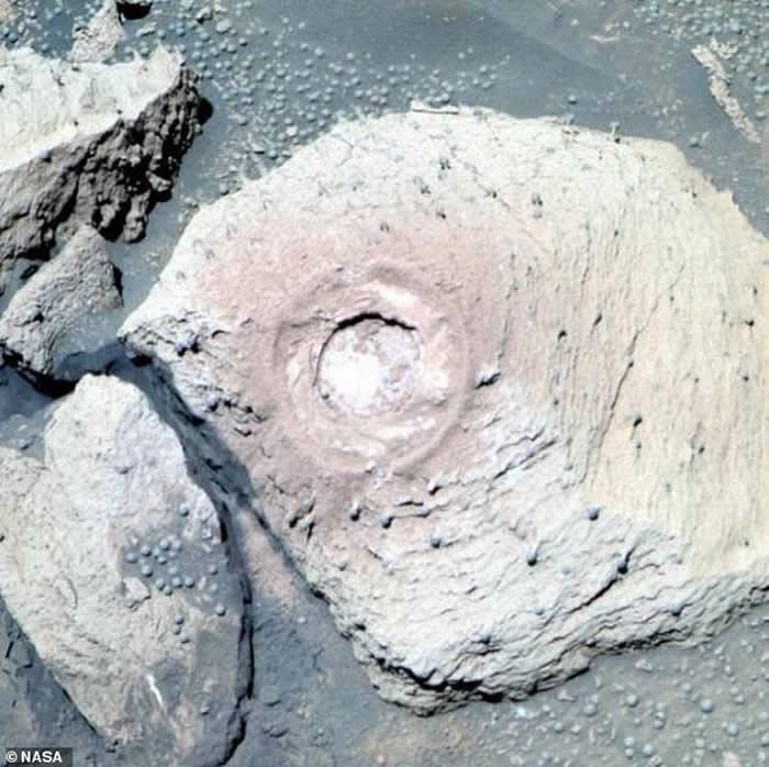 """好奇号在火星上拍摄到15个""""蘑菇"""""""