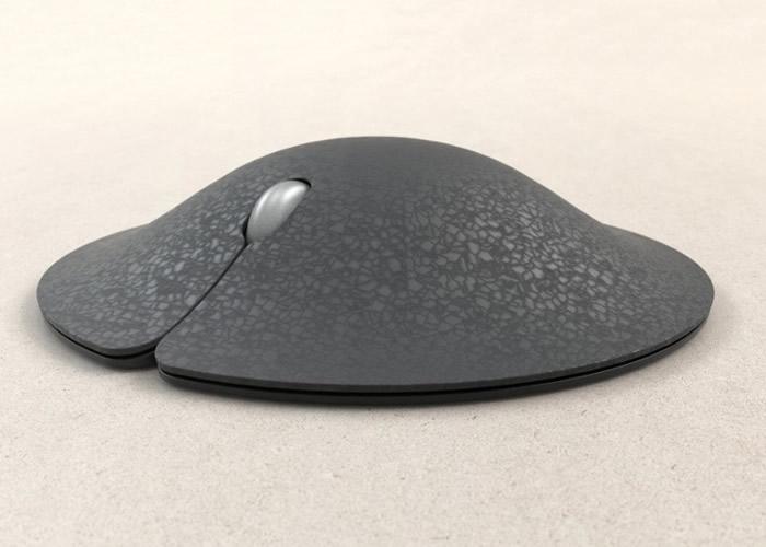 Manta Mouse主体中央是一个拱起的球状体。