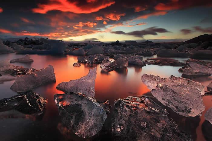 """欧洲冰岛最大的杰古沙龙冰河湖""""钻石冰沙滩""""风景美不胜收"""
