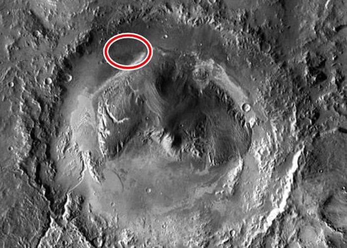 好奇号于盖尔撞击坑附近探测到甲烷(红圈示)。