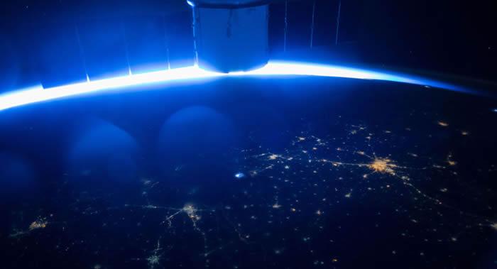 """美国""""载人龙""""飞船和""""星际客机""""的安全性得到验证后俄罗斯宇航员才会乘坐"""
