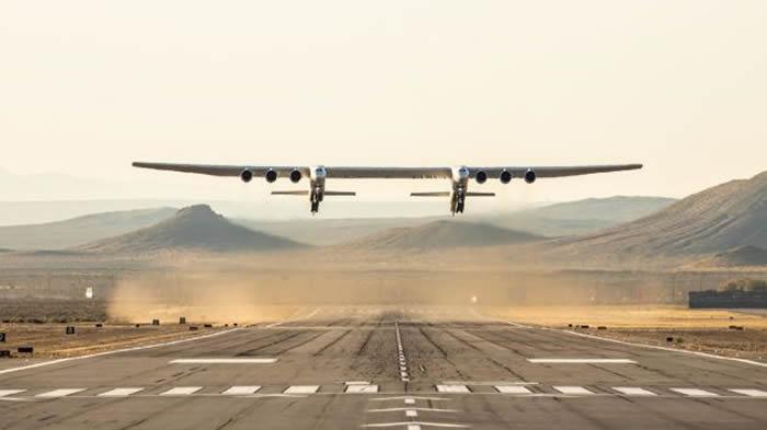 世界上最大的飞机——平流层发射系统公司六引擎双机身飞机首飞视频曝光