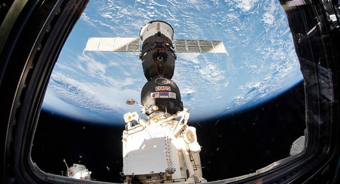 """美国登月50周年纪念日 3名宇航员将搭乘""""联盟MS-13""""号载人飞船前往国际空间站"""