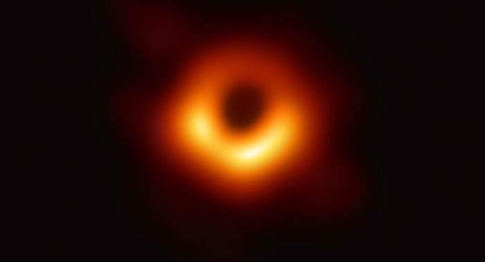 不是第一张黑洞照片?俄罗斯物理学家:RadioAstron两年前就已拍到过黑洞照片
