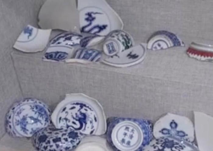 警方起获大量古瓷片。