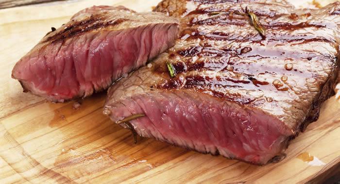 《国际流行病学》杂志:每天少量食用红肉也会增加患上肠癌的可能性 香肠和培根最危险