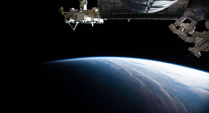 阿联酋首位宇航员将着浅蓝色飞行服前往国际空间站