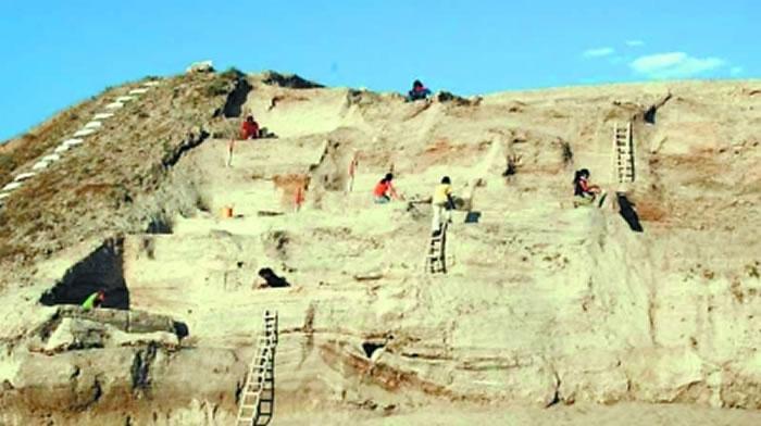 阿西斯霍育克地区考古现场