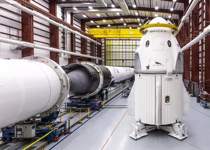 SpaceX正研发Crew Dragon载人太空船。