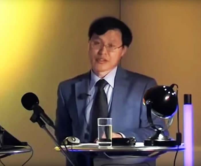 牛津大学朝鲜语教师迟洋海:来自太空的外星人早已生活在人类中间