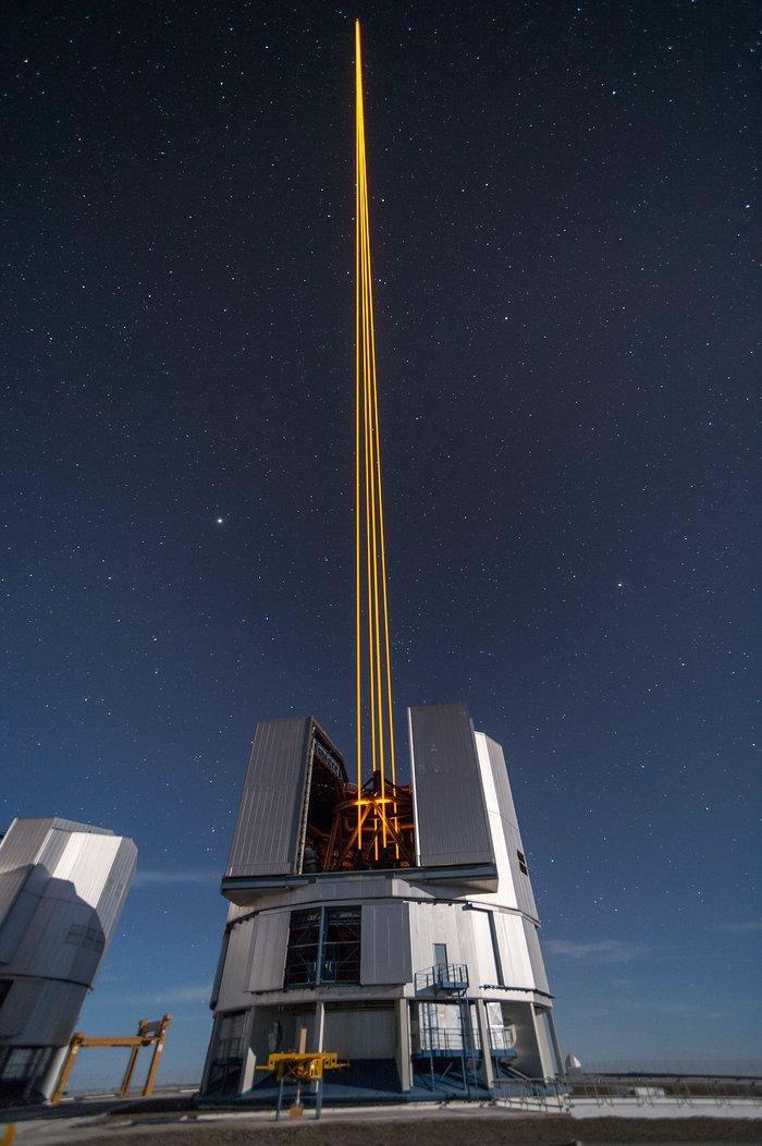 天文学家定位2000年前中国观测到客星遗迹 在Messier 22星团中闪闪发亮