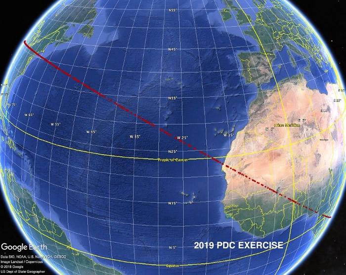 """根据模拟的紧急情况,小行星""""撞落""""范围跨越半个地球。"""
