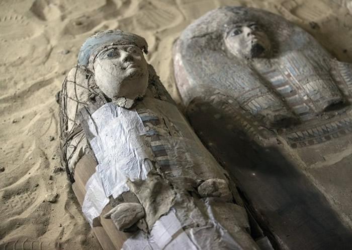 埃及吉萨平原发现逾4500年墓穴 埋葬古代两大人物