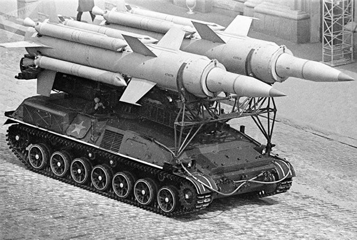 西方间谍在苏联胜利日阅兵上想获取什么