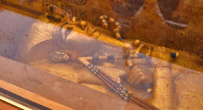 制作图坦卡蒙护身符的黄色玻璃由陨石撞击形成