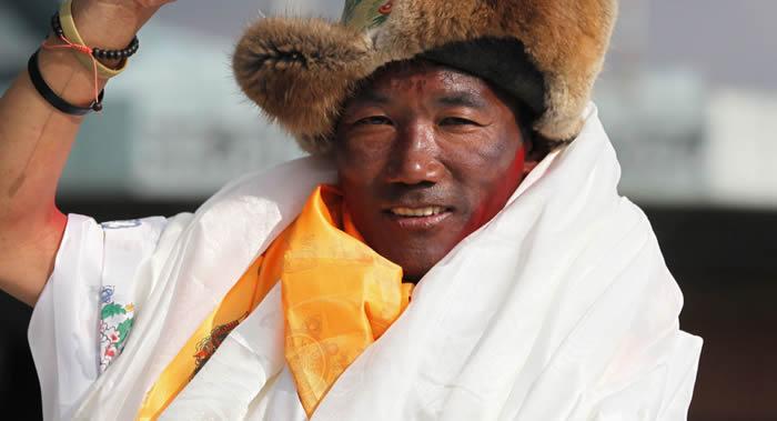 尼泊尔夏尔巴人卡米·瑞塔创造新的世界纪录 第24次征服珠穆朗玛峰