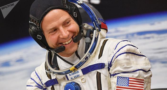 国际空间站美国宇航员黑格在太空的两个月内增高5厘米