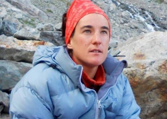 法国女登山家Elisabeth Revol去年在巴基斯坦遇险 一年后成功登上喜马拉雅山洛子峰