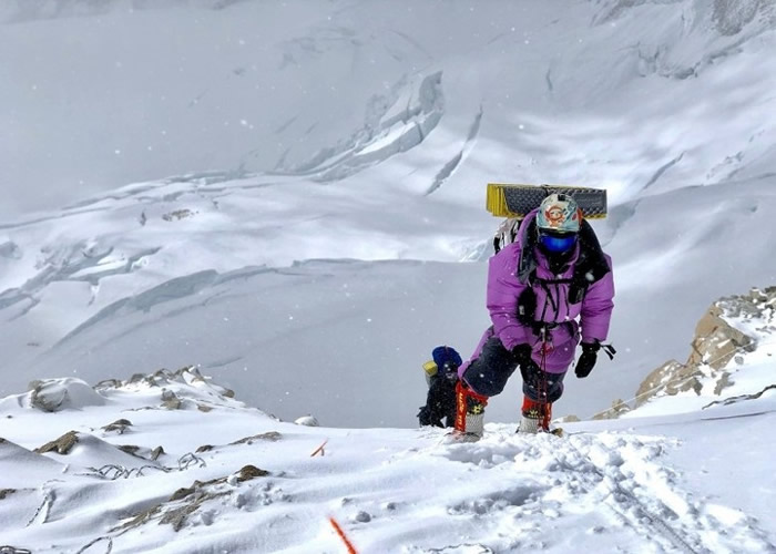 珠穆朗玛峰是全球最高峰(