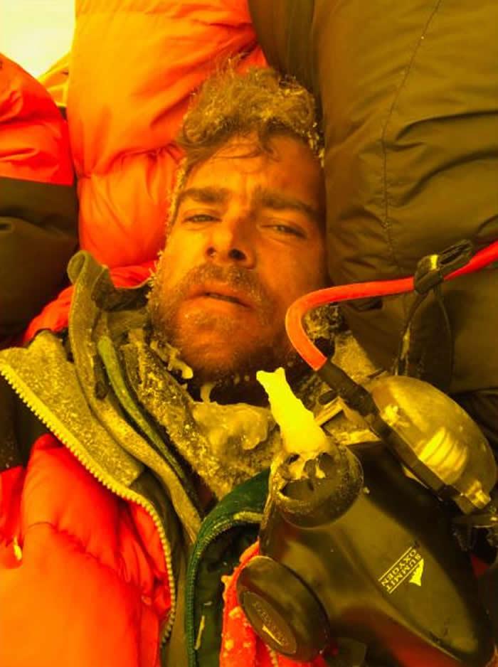 登山家Ian Stewart讲述攻顶珠穆朗玛峰细节 他活了下来但友人却悲惨死去