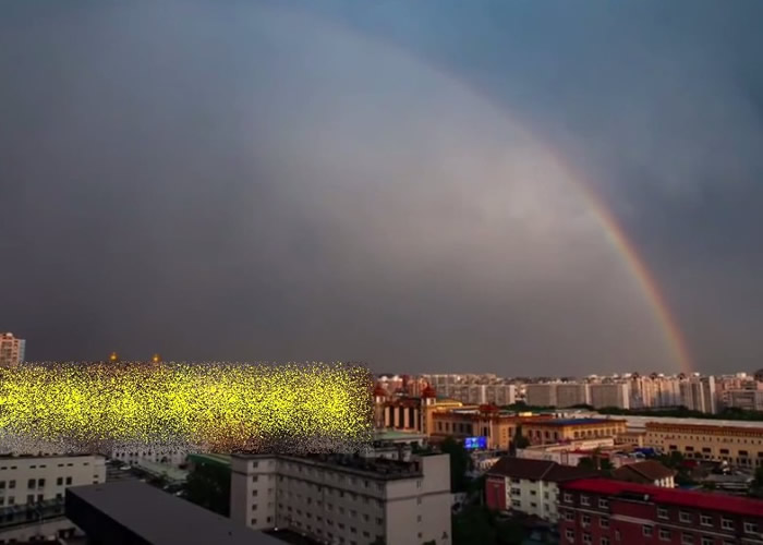 北京部分地区大雨过后出现同心双彩虹景观