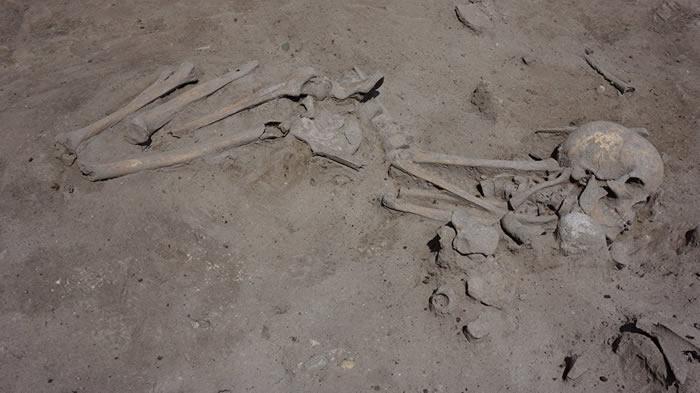 保加利亚首都索非亚发现建于7600年前的新石器时代墓地 埋的是带着孩子的妇女