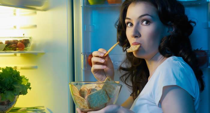 英国科学家讲述女性应该怎样防止心血管疾病的发生:摒弃含有人造成分的无脂食品