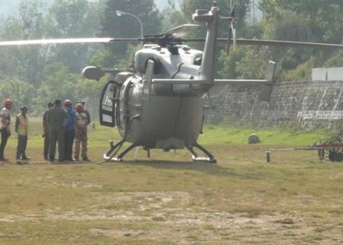 印度空军派出直升机搜索。
