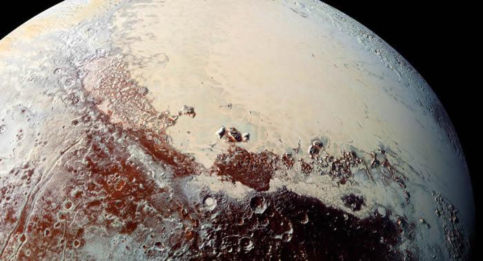 冥王星冰层下有充满有机物质和DNA成分的海洋 不能排除生命的存在