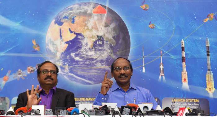 """印度空间研究组织(ISRO)拟于7月发射携带月球车的""""月船2号""""探测器"""
