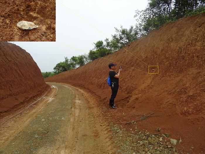 调查发现的摩天岭旧石器遗址及石器出土地层