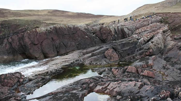 英国中元古代砂岩中发现撞击坑 是12亿年前巨大小行星留下