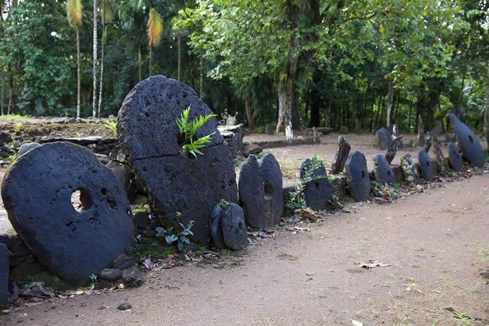 """美国俄勒冈大学研究人员称密克罗尼西亚亚普岛上发现的神秘石头就是过去的""""比特币"""""""